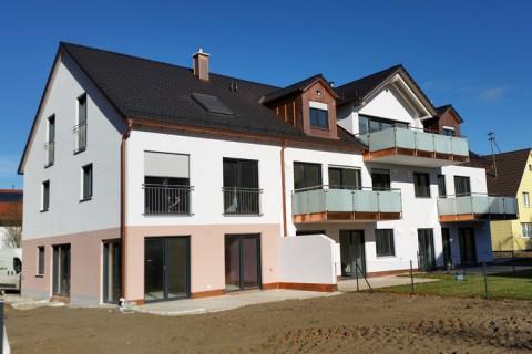 Mehrfamilienhaus und Reiheneckhaus Poing